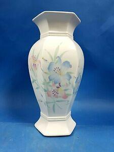 Beautiful  Floral Vintage Royal Winton Flower Vase - Hexagonal Flowers Glazed