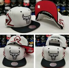 Mitchell & Ness NBA Chicago Bulls WHITE / Black snapback Adjustable Hat Cap