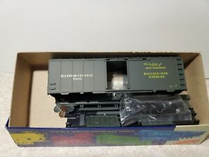 """Roundhouse HO Scale  Illinois Central """" mid-america """" # 7908 Box car"""