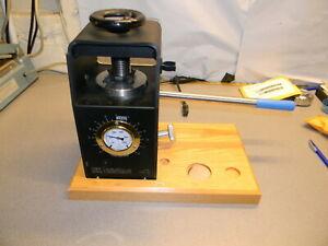 ICL 12 Ton EZ-Press 0012-5859, W 1 Shieild, 1 Disk, 1 Handle, 1 Wood Base