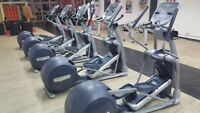 PRECOR EFX 835 Crosser mit P30 Konsole Cross Trainer Cardio Fitness Studio Gym