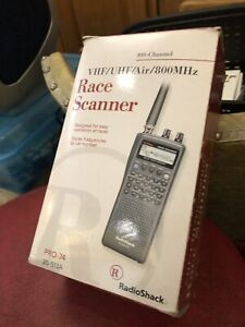 Radio Shack Pro 74 VHF/UHF/ Air / 800 MHz 100 Channel Race Scanner 20-513A