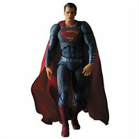 Medicom Toy MAFEX Batman v Superman Dawn of Justice Superman Action Figure