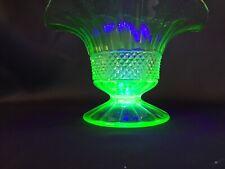 Verrerie Poschinger Allemagne   Vase corbeille en Urane Ouraline  Signé acide