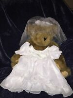 BUILD A BEAR Girls 2 Piece Bride/Bridal Gown Wedding Outfit Dress and Veil - New