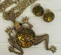 Leaping Frog Pendant Amber Color Cabochon Gold Tone Necklace & Clip On Earrings