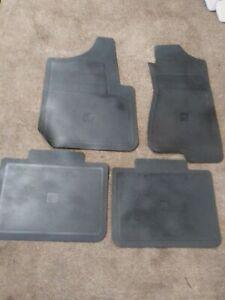 GM Vinyl Floor Mat Set 12495730 1999-2002 Tahoe Yukon Suburban OEM GMC