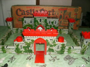 1950's MARX CASTLE 4709 EARLY PLAYSET