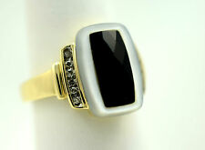 14K Yellow Gold Mother of Pearl and Onyx Ring  Estate