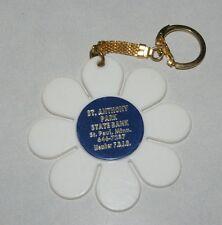 Vintage 1970's Flower Child Mid Century Retro Flower Petal keychain White