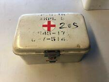 NATO Erste Hilfe First Aid Blechkasten 23 cm x 15 cm x 12 cm weiss 60er Jahre