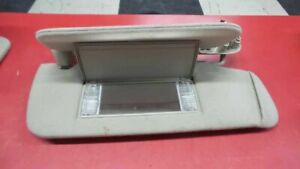 PASSENGER SUN VISOR ILLUMINATED DIMMING VANITY LAMP FITS SUBURBAN 1500 142370