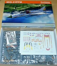 MiG-21 PFM Fighter-Bomber (PROFIPACK) in 1/72 von Eduard