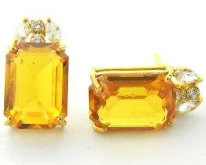 22ct Gold Earrings (ear-studs) with Cubic Zircon Stone.
