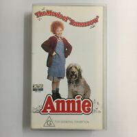 Annie. VHS Video Tape Original 1982 Movie Tim Curry Carol Burnett Musical Orphan
