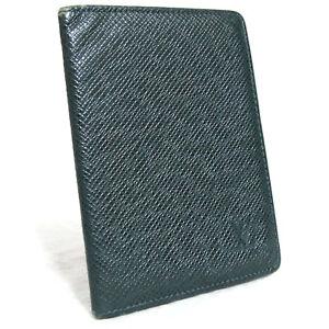 Auth Louis Vuitton Green Taiga Porte 2 Cartes Vertical Pass Card Case M30494 MI0
