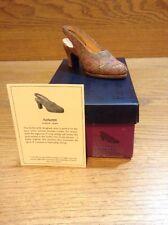 Raine Just the Right Shoe Coa Box Autumn 25070