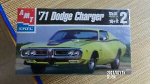 AMT ERTL 30053 71 DODGE CHARGER Model Kit 1:25 Scale sealed kit 71 CHARGER kit