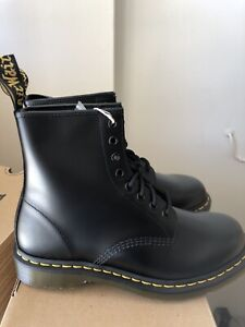 Dr Marten 1460 Smooth Leather Lace Up Boots Size 11