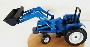 New Holland 8340 Tractor With 7411 Loader Diescat Collectible Erti 1/16