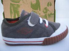Chaussures Umbro neuves STAFFE Baby Bébé pointure 24