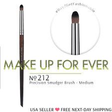 MAKE UP FOR EVER 212 Medium Smudger Brush