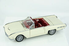 Danbury Mint 1962 Ford Thunderbird Convertible 1/24 Scale Diecast Model Car