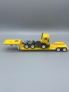SIKU Diecast Yellow Ford ADAC COE Tractor With Lowboy Trailer Rare Mint