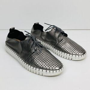 DJANGO & JULIETTE Pewter Perforated Toe Flexible Sole Huston Leather Sneaker 41