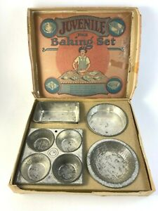 Antique Juvenile No. 2 Toy Metal Baking Set in Original Box