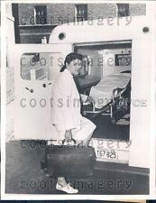 1942 Dr Mariana Rivas Performed Amputation w Pocket Knife Ambulance Press Photo