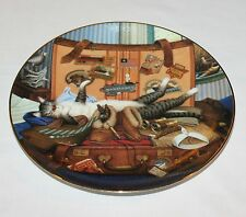 Charles Wysocki Mabel the Stowaway Cat Plate Issue #2 Purr-fect Places 1998
