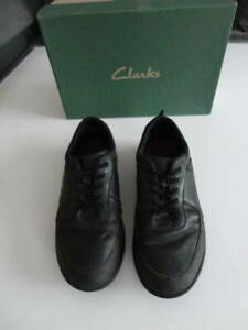 CLARKS BOYS / MENS BLACK SHOES LEATHER PERFECT SCHOOL / WORK SIZE 6.5  H UK / 40