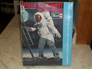 Revell 1/8 Scale Apollo Astronaut On The Moon - Factory Sealed