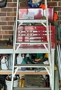 Aluminum ladder 2.4m single sided