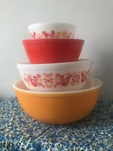 pyrex friendship mixing bowls Set Of 4
