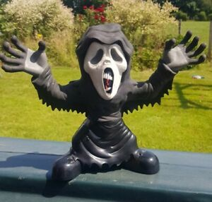 """Stretch Screamers Ghost Face Scream 9"""" Electronic Figure Toy Quest"""