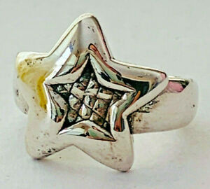 Size 9 Large Star Design Ring with Patterned Center 925 Sterling Silver