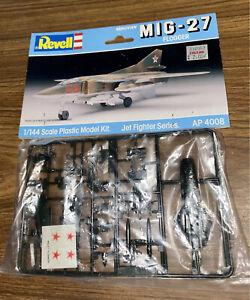 BNIP Revell 1988 MIG 27 Flogger. Jet fighter series