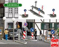BNIB OO / HO BUSCH 1111 ROAD TRAFFIC ISLANDS KIT WITH SIGNS