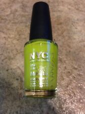 NEW NYC NAIL POLISH QUICK DRY IN APPLE FIZZ NEON GREEN LETS PAINT THE TOWN