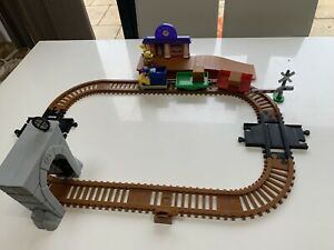 Paw Patrol Adventure Bay Railway Train Track Set With Train and extra figure
