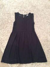 Mini vestido H & M negro con paneles de encaje Talla 10