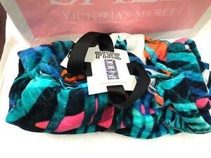 Victoria's Secret PINK Plush Beach Towel Tropical Palm NWT