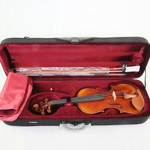 Yamaha Model AV20 4/4 Size Violin Outfit Includes Case and Bow MINT CONDITION