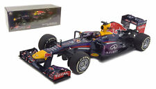MINICHAMPS 1:18 INFINITI RED BULL RACING RB9 SEBASTIAN VETTEL WINNER INDIAN GP