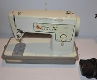 vintage SINGER Zig Zag MODEL 413 SEWING MACHINE  with Carry Case 1970s