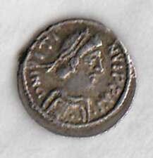 JUSTIN II (565-578AD) AR 1/4 Silver Siliqua REVENNA Bust / BigCross in wreath VF