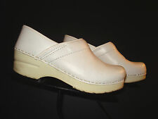 Dansko White Leather Professional Clog Sz. 35 / 4.5 US NICE!