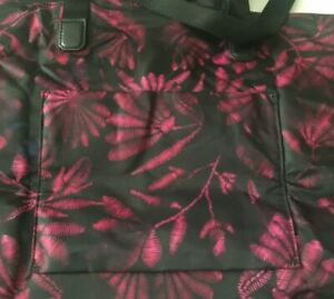 Tumi Voyageur Just in Case Tote Foldable Shpper Duffel Zip Pouch Floral Tapestry